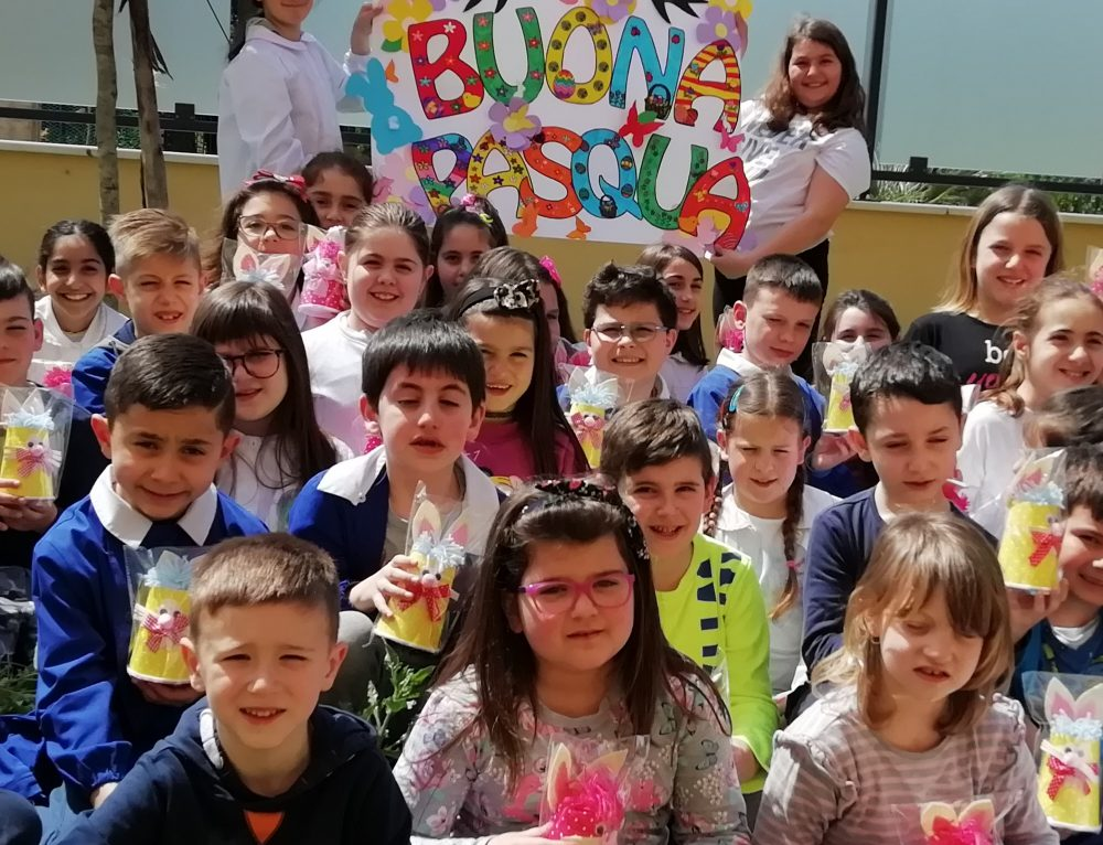 BUONA PASQUA! Gli alunni della Scuola Primaria di Villalfonsina augurano  Buona Pasqua al Preside Fuiano, alla Vicepreside De Risio e a tutte le colleghe dell' Omnicomprensivo Ridolfi Zimarino